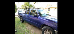 Toyota tacoma 1996 titulo limpio automatica 156 mil millas for Sale in Compton, CA