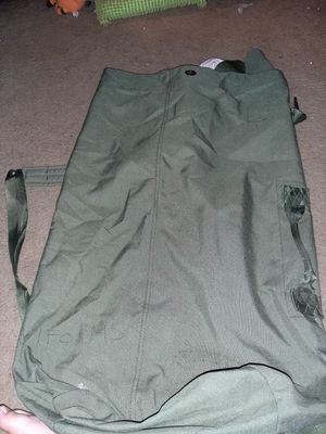 Military duffle bag for Sale in Baytown, TX