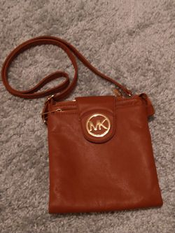 AUTHENTIC Michael Kors handbag. Price Significantly Dropped Deal Is Only Good Until January 31st By Midnight for Sale in Smyrna,  TN