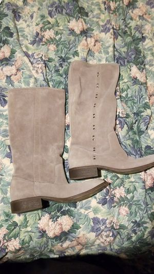 Womens Carlos Grey Suede Knee-high Boots, size 9 for Sale in Mesa, AZ
