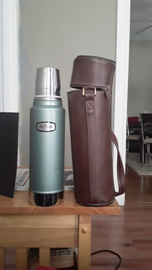 1973 Stanley thermos vacuum bottle like new!! for Sale in St. Louis, MO
