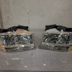 Headlights Lamps For Dodge Dakota Durango 97 To 04 for Sale in Hayward, CA