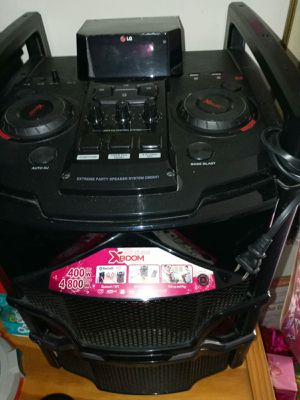 Speaker bluetooth for Sale in Alexandria, VA
