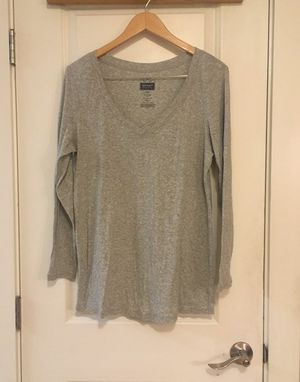 Old Navy Gray Maternity Longsleeves Tee XL for Sale in Seattle, WA