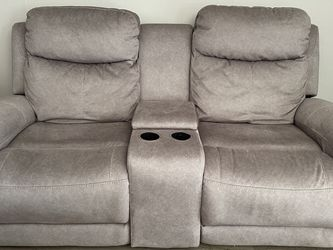 Electric Recliner Couch for Sale in San Diego,  CA