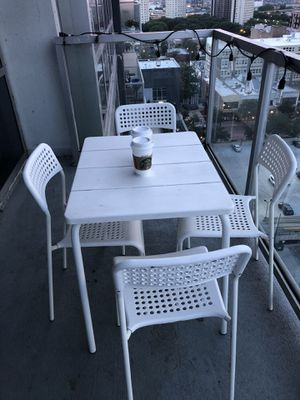 Patio furniture. Table and 4 chairs. for Sale in Chicago, IL