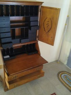 Antique Dresser/Work Table cabinet W/4 Drawers for Sale in Plant City,  FL