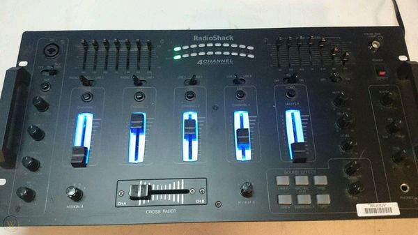 4 CHANNEL STEREO DJ MIXER