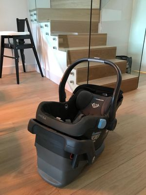 UppaBaby MESA infant car seat for Sale in Washington, DC