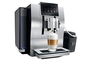 JURA Z8 Automatic Pulse Extraction Espresso / Coffee Center w/Grinder for Sale in Portland, OR