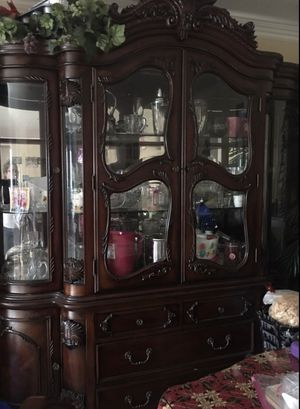 Showcase *Very Good Condition** for Sale in Downey, CA