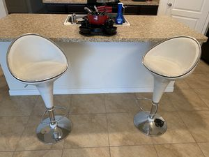 2 White gloss Italian bar stools for sale for Sale in Jan Phyl Village, FL