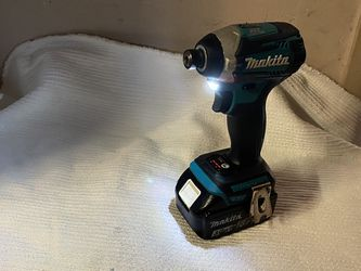 MAKITA LXT BRUSHLESS IMPACT DRILL WITH 3.0Ah BATTERY for Sale in Daly City,  CA