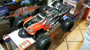 Arrma kraton BLX 6's brushless electric RC truck for Sale in Los Angeles, CA