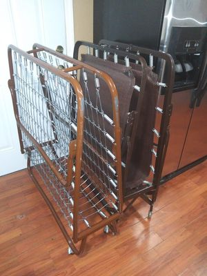 2 Twin size bed frame for Sale in Palmetto, FL