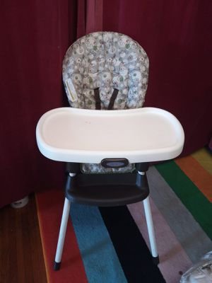 Graco baby high seat. It's a 3 in 1. for Sale in Queens, NY