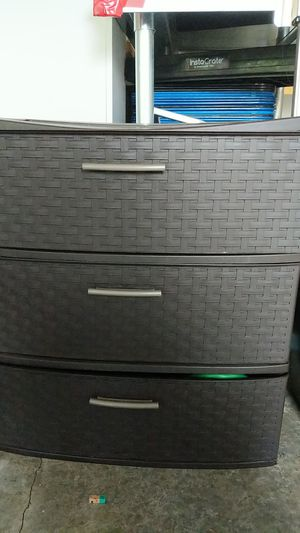 Plastic cabinet 3 drawer for Sale in Maple Valley, WA