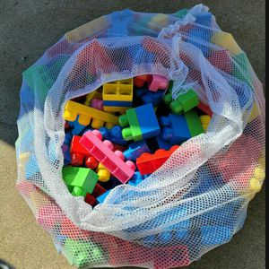 (1) Large Bag of about 160pc of Mega Bloks for Sale in Pomona, CA