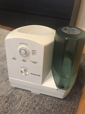 Cool moisture humidifier for Sale in Chicago, IL