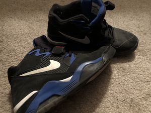 Men's Nike 180 size 11.5 shoes for Sale in Stockton, CA