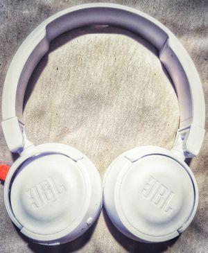 JBL600 [BTNC] EARPHONES BRAND NEW for Sale in Oak Glen, CA