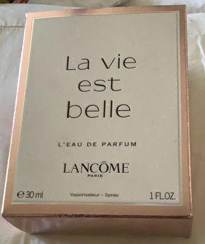 Lancôme's most popular fragrance La vie est belle for Sale in Patterson, CA