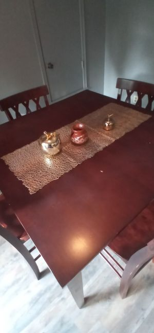 Wooden dining table, comedor de madera for Sale in Tulsa, OK