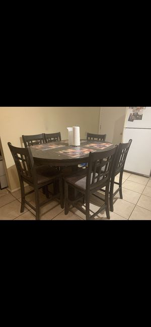 Grey Sam Levitz Dining Table for Sale in Tucson, AZ