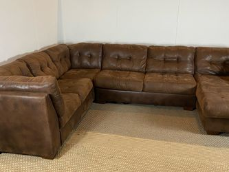 Large Brown Sectional Couch Sofa *Free Delivery* for Sale in Cherry Hill,  NJ