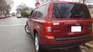 LATITUDE edition 4X4 Jeep Patriot 2011!! & 4CYL GAS SAVER! CARFAX done! Super Clean! for Sale in Chicago, IL