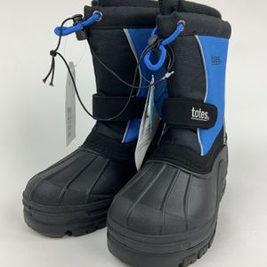 Big Boy's Totes Snow Boots Size 3 for Sale in Richmond, VA