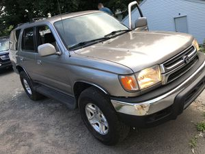 2002 Toyota 4Runner sr5 4x4 for Sale in New Haven, CT