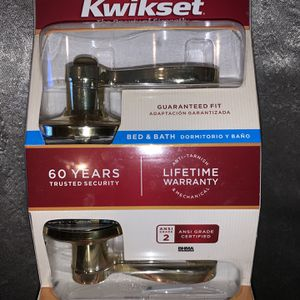 Kwikset Bed & Bath Door Lock Handle Privacy Lido Polished Brass New for Sale in Mableton, GA