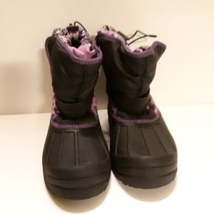 Athletech Girls Snow Winter Boots Size 5 for Sale in Irvington, NJ