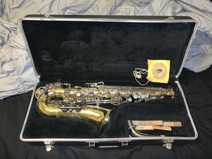 Selmer Bundy 2 Alto Saxophone with case for Sale in Ellport, PA