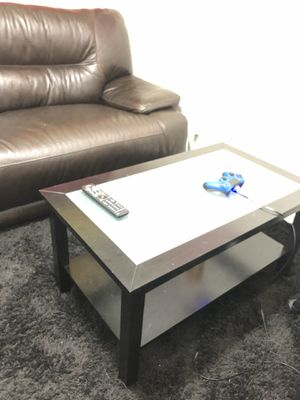 Great coffee table for Sale in Tampa, FL