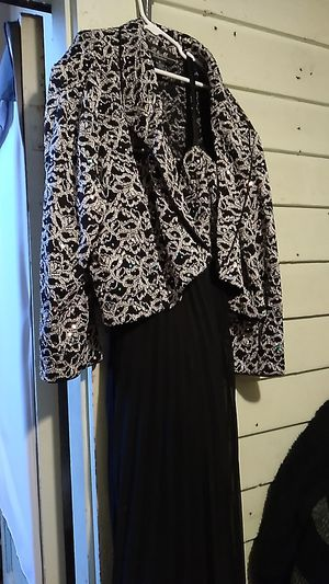 Beautiful size 16 dress with blazer for Sale in Cleveland, OH