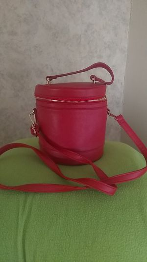 Red cylinder purse for Sale in Newton, KS