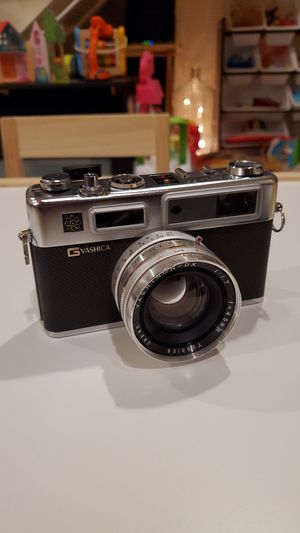 Vintage Yashica Electro 35 G rangefinder 35mm film camera 45mm 1:1.7 for Sale in Newport Beach, CA