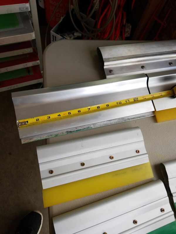 Screen printing squeegees and squeegee handles