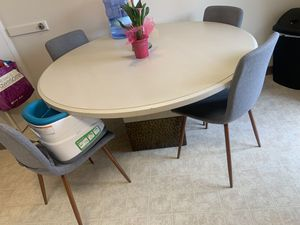 Kitchen table for Sale in Marina, CA