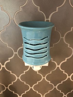Scentsy plug in warmers for Sale in Lutz, FL