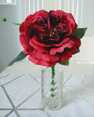 Artificial Flower In A Glass Vase for Sale in Las Vegas, NV