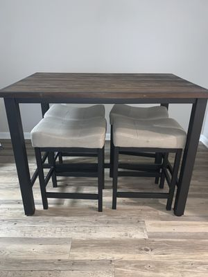 rustic bar top table with chairs for Sale in Orlando, FL