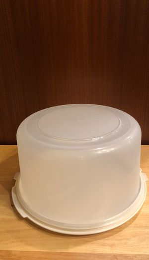 Rubbermaid plastic cake storage container for Sale in Camas, WA