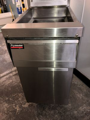 Fry master commercial deep fryer for Sale in Victorville, CA