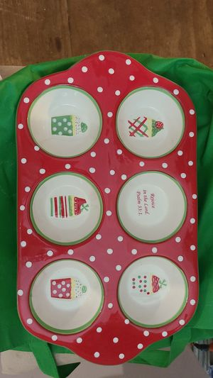 Christmas Muffin Pan for Sale in Lynchburg, VA