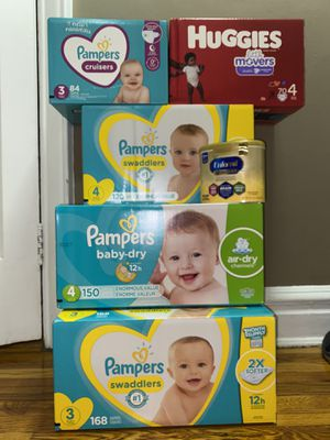 Pampers size 3 and 4 for Sale in Queens, NY