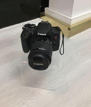 Camera Digital Canon, model: DS126571 for Sale in Miami, FL
