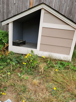 Dog house for Sale in Marysville, WA
